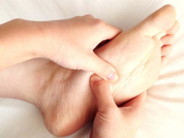 button-only@2x 体調改善は自分で出来る!足ツボの元気効果を最大に高める知っておきたい基礎知識