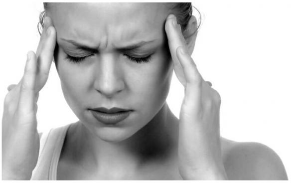 頭痛(緊張型)気圧で悪化する症状の治し方。やわらげるツボとカンタンな押し方のコツ